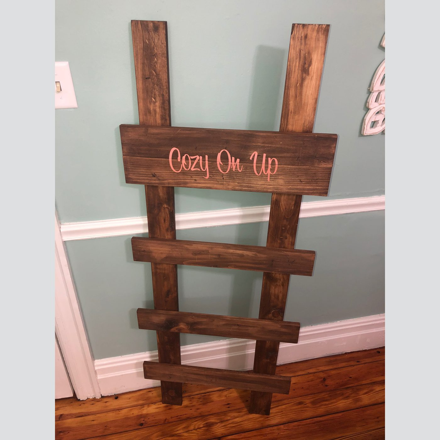 Blanket Ladder (Off Set Style) DIY Wood Decor