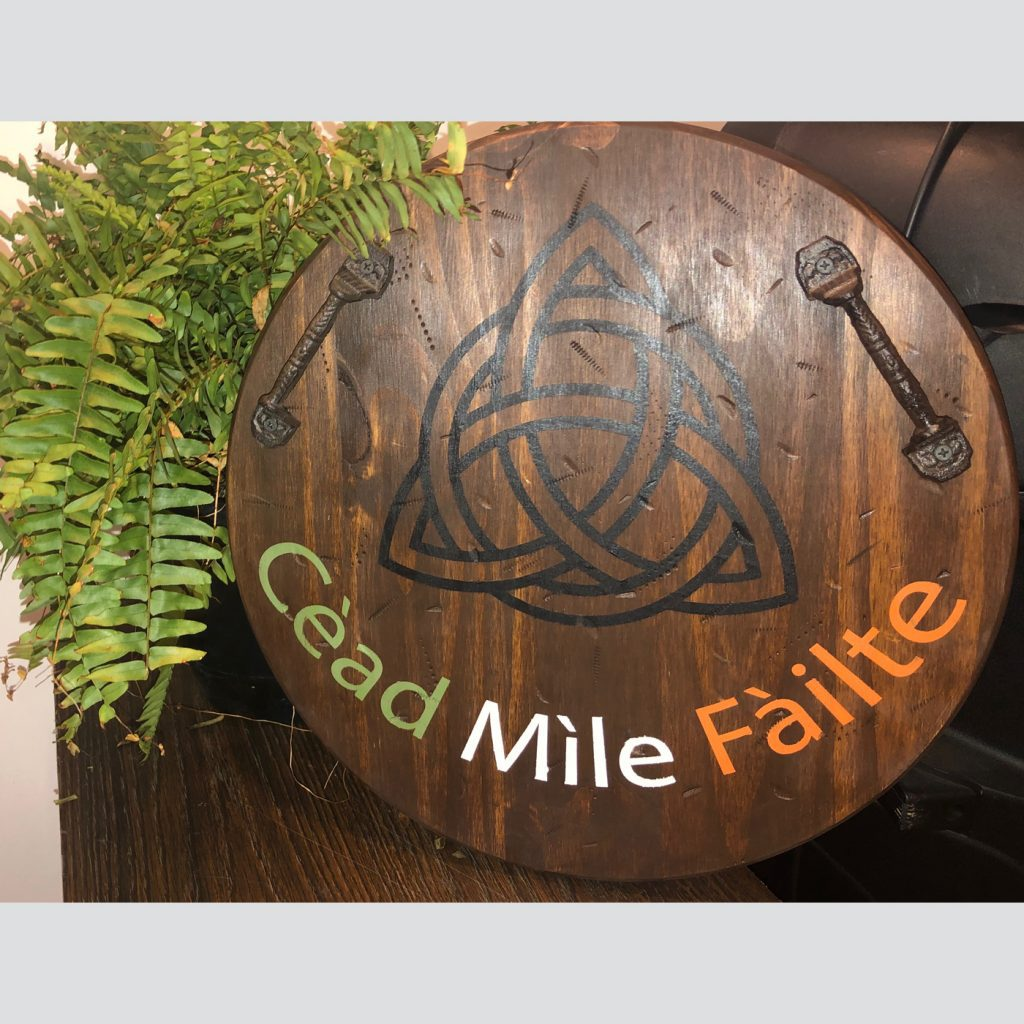 Celtic Knot Tray with Cead Mile Failte DIY Wood Sign