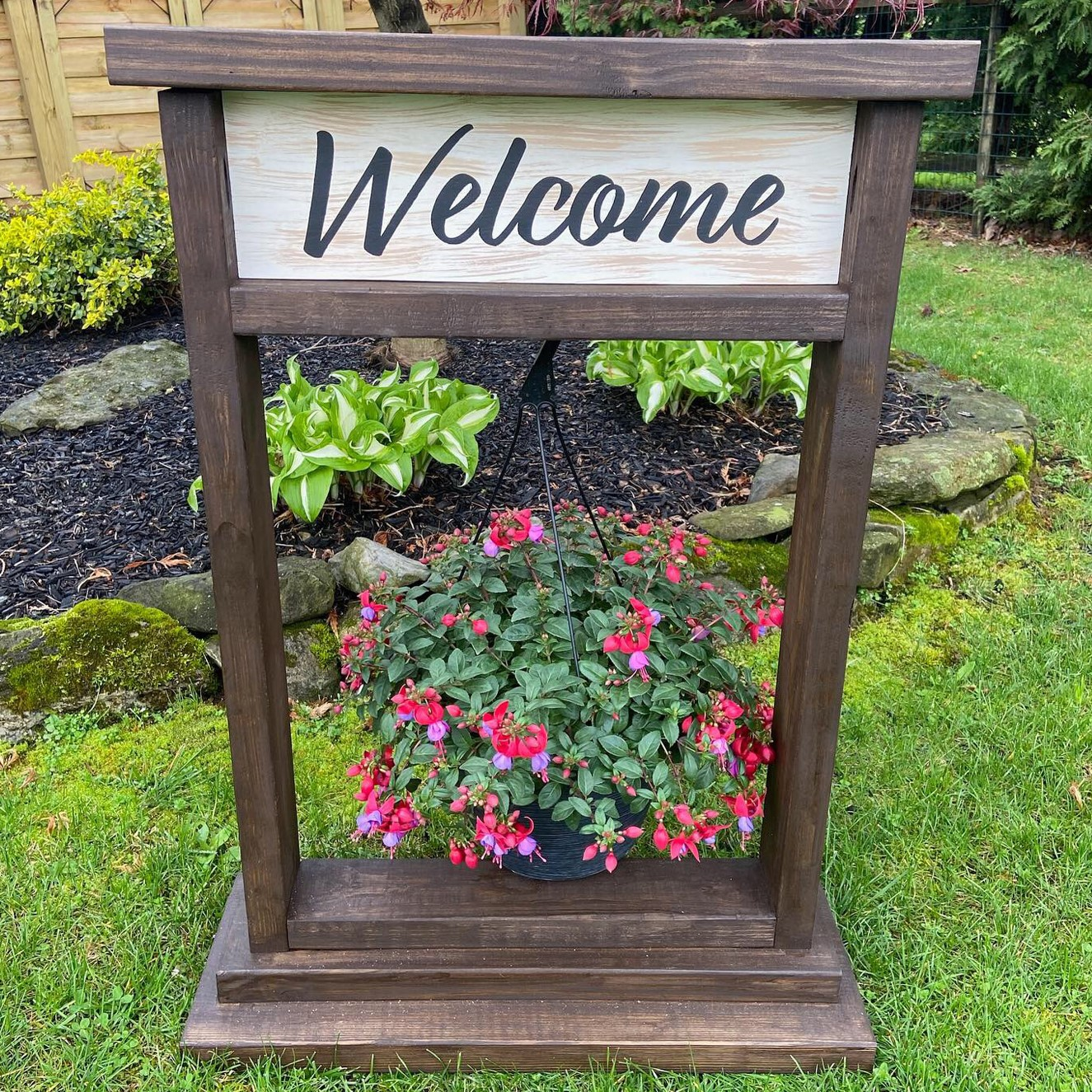 Hanging Basket Welcome Sign DIY wood sign outdoor