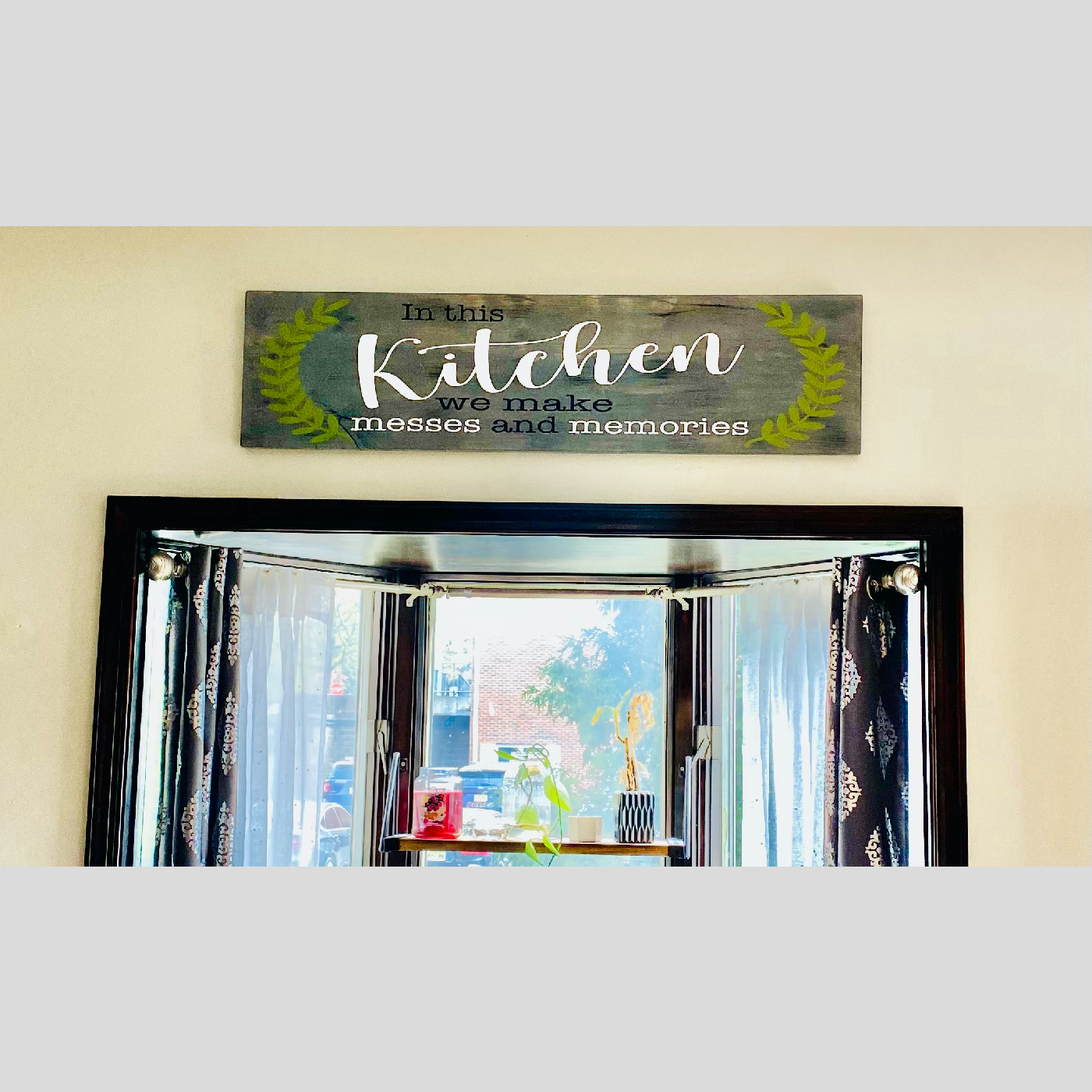 In This Kitchen We Make Messes and Memories DIY wood project