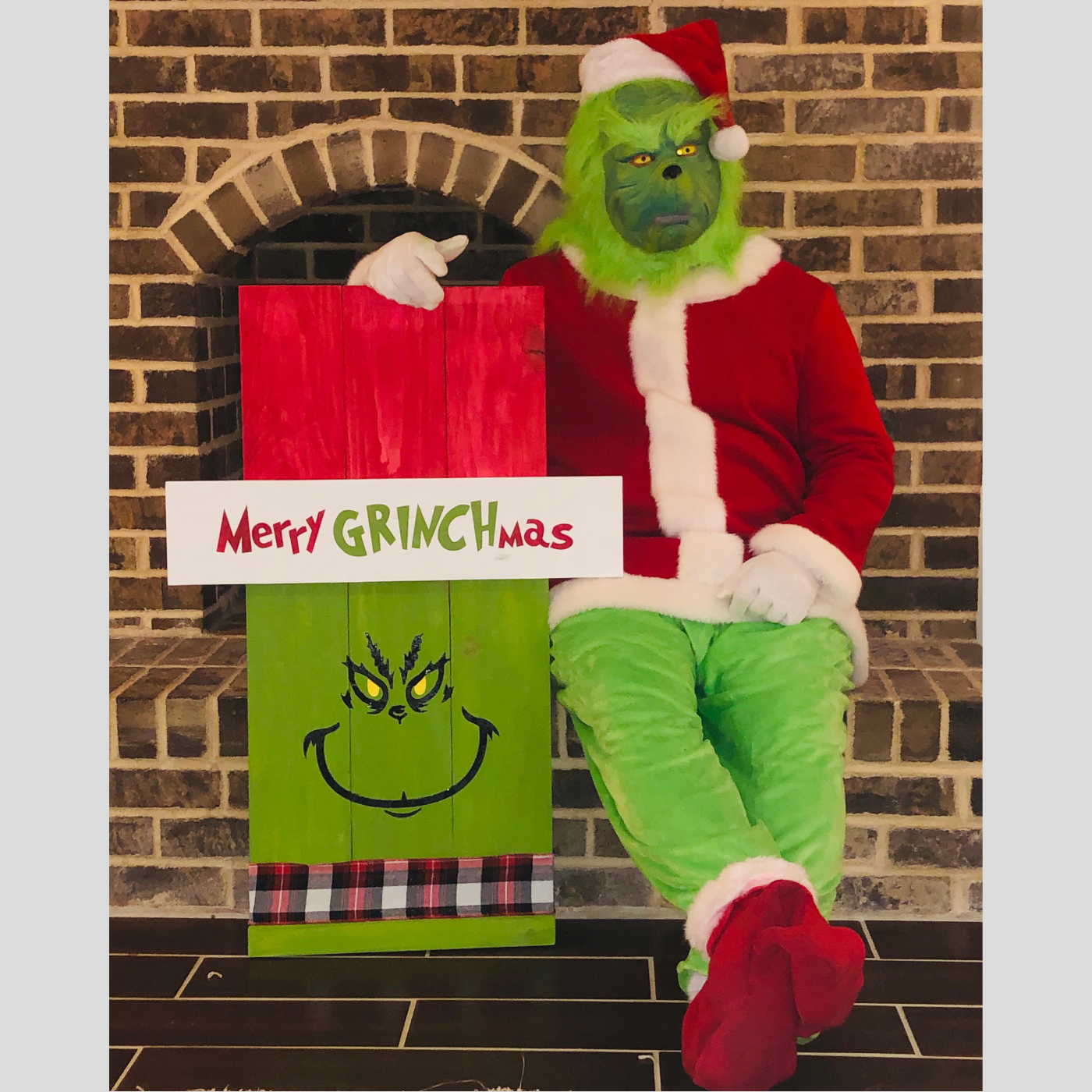 Merry GRINCHmas DIY wood Sign Bethlehem PA