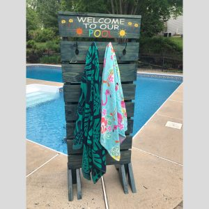 Outdoor Pool Towel Rack DIY Wood Project