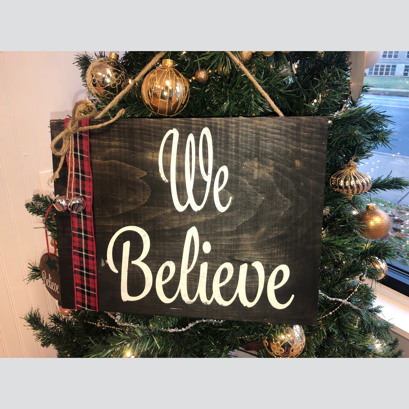 We Believe DIY wood sign project