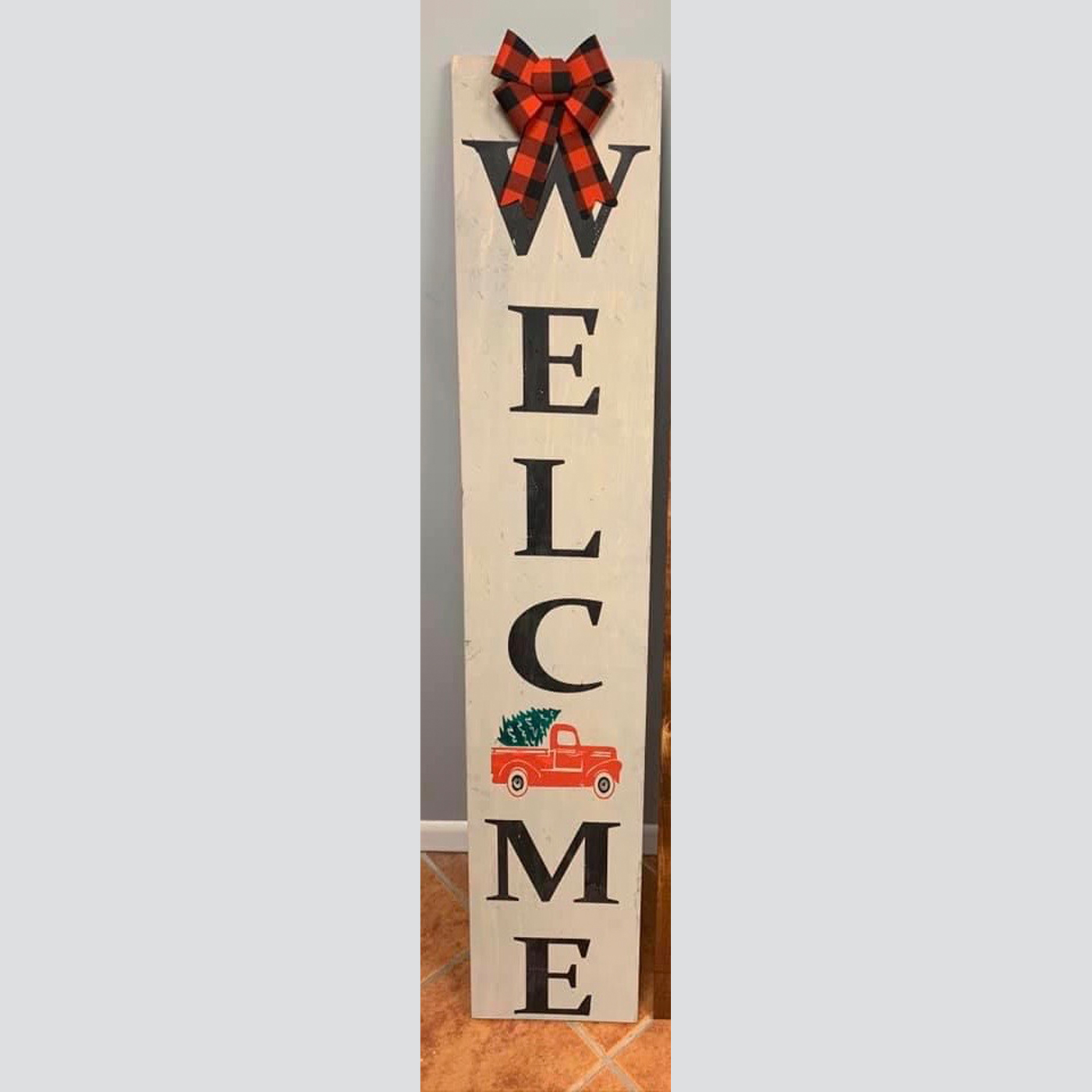 Welcome with a Truck Christmas DIY wood Sign Projects